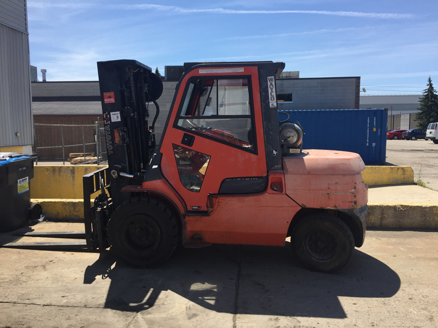 Pre-owned Used Pneumatic Forklift Toyota
