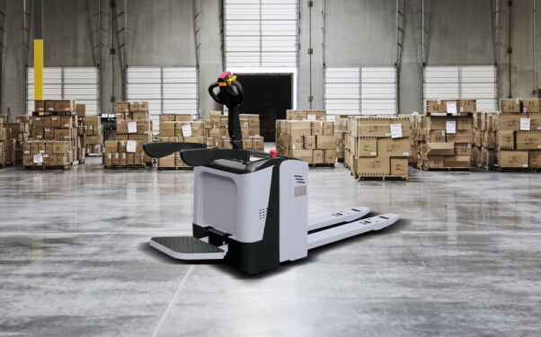 pallet jacks in warehouse operation