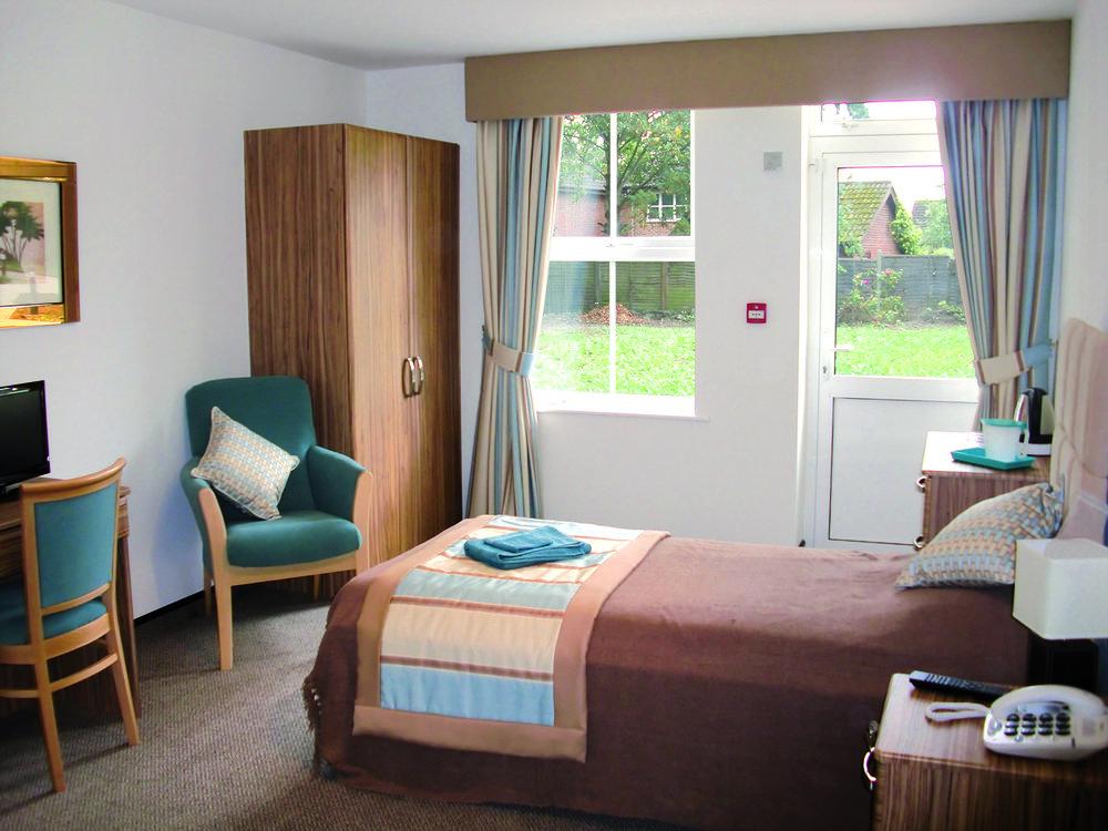 CIMG1100-Bedroom.jpeg