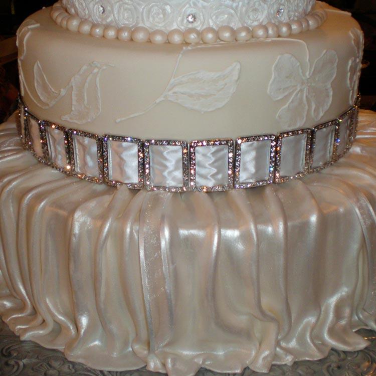 ingrid-fraser-cake-round-diamonds.jpg