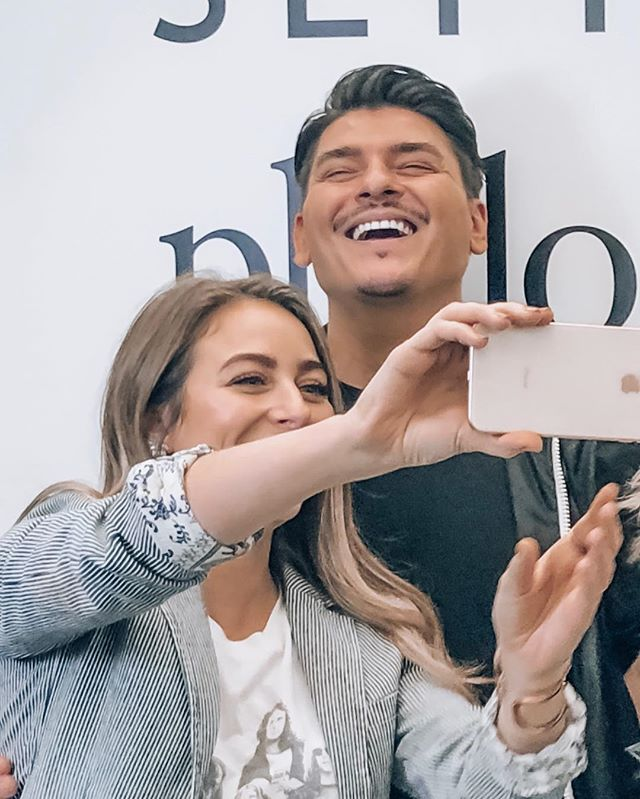 So much fun working with beauty industry legend @makeupbymario onset AND for a live event yesterday! Looking forward to creating more makeup magic together in 2019 💄💫 Thank you to my @lovephilosophy family for always supporting me- my gratitude goes out to all of you! + shoutout to @hairhoneybykate for rocking it on our model's hair yesterday! X . . . . . . . . . . #makeup #makeupbyalexandriagilleo #makeupbymario #makeupartist #promua #mua #makeuptutorial #lovephilosophy #philosophy #beauty #beautyindustry #onset #production #sephora #sephorapro #mariodedivanovic #alexandriagilleo #beautytips #bblogger #glowup #glow #facialmassage #themasterclass #globalcampaign #cleanskin