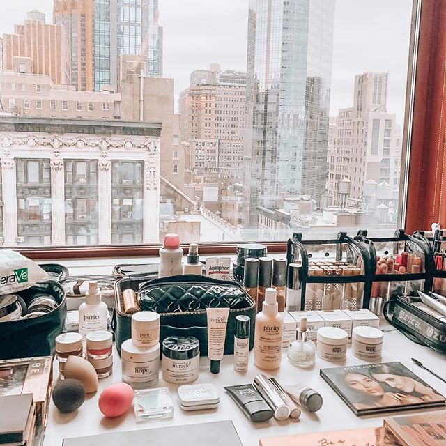 In My Element 💫💄 . I traded nights out for knowledge seeking... . Parties for intimate gatherings + meaningful conversations... . Chasing money for chasing purpose... . Meaningless work for my ultimate passion of beauty, wellness, healing, + making others look and feel their absolute best... . Being busy for protecting time... . Soul extortion for soul searching... . Living for others for LIVING MY LIFE, FOR ME... . What have you traded lately? On that Sunday morning hustle in NYC using my favorite products. Tap to see 💕 . . . . . . . . . . . #nyc #makeup #makeupwork #makeupartist #promua #makeupvideos #beauty #beautytips #bblogger #beautybloggers #skin #skincare #skinisin #cleanbeauty #wellandgood #onset #production #love #glowup #glow #freshfaced #makeupbyalexandriagilleo #wellness #wellnessblogger #crystals #inmykit
