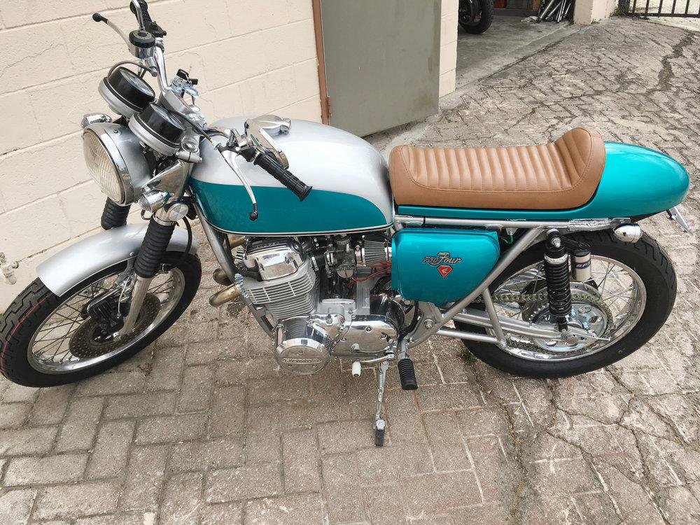 (Left) 1972 CafeRacer Honda CB750.jpg
