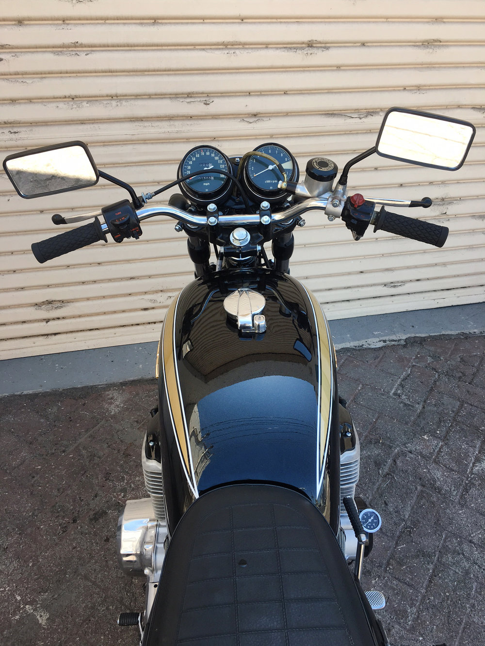 (Guages) 1973 Period Correct (Black) Honda CB750.JPG