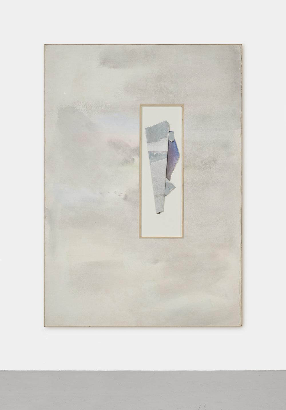 Le soleil se lève derrière l'abstraction, XXIV | 2019 | Acryl und Kreide auf Leinen, Decollage und drei Nadeln hinter Glas, Künstlerrahmung | 201 x 141 x 4.5 cm | ©GALERIE ALBER