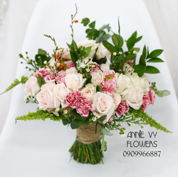 hoacamtay+hoa_cam_tay+hoa cam tay+hoa_cuoi+hoacuoi+hoa cuoi+HOA CUOI DEP VY 89 (1).JPG