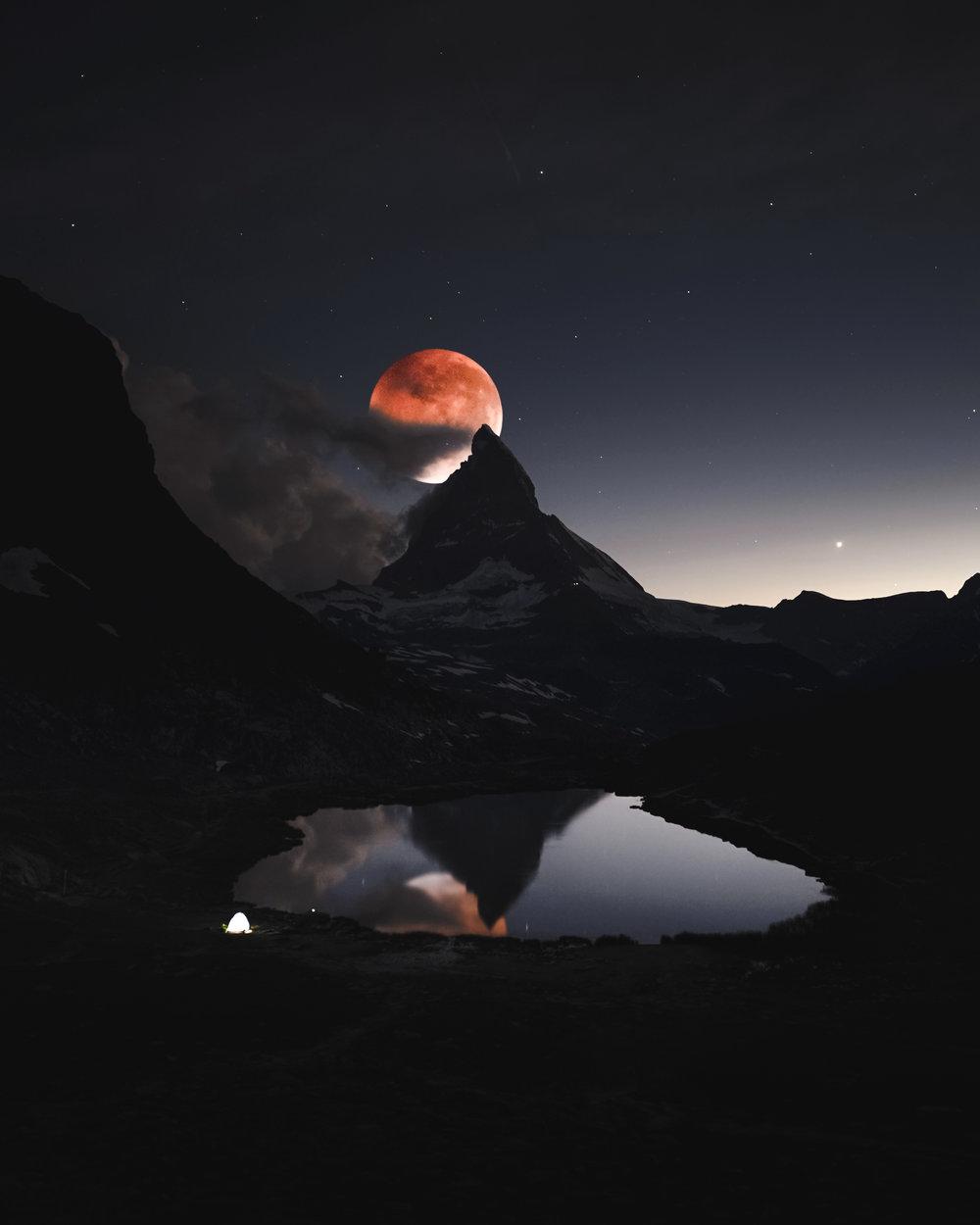 bloodmoonmatterhorn-2.jpg