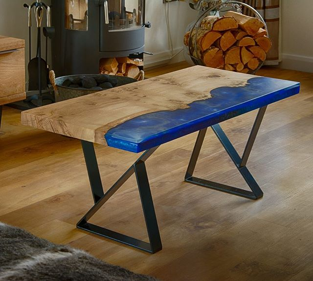 Metallic blue resin oak coffee table.#coffeetable #metallic #blue #resin #resinoak #resinart #woodworking #black #metallegs #burroak #pippyoak.