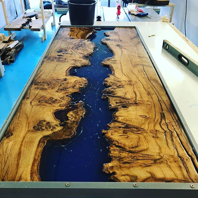 Resin pours are getting bigger can't wait too see how this will Turn out 🤞🏻#resintable #resinoak #burroak #bule #coffeetable