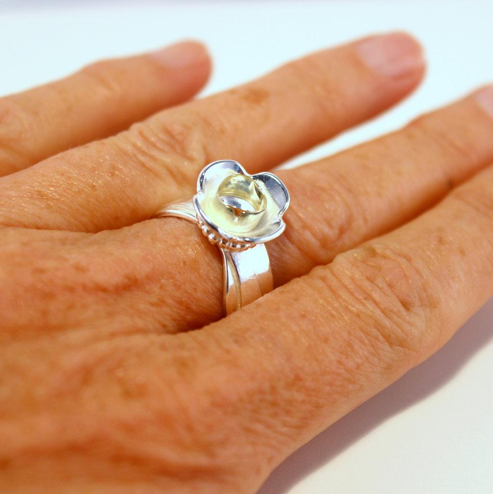 zilveren ring met hart van goud