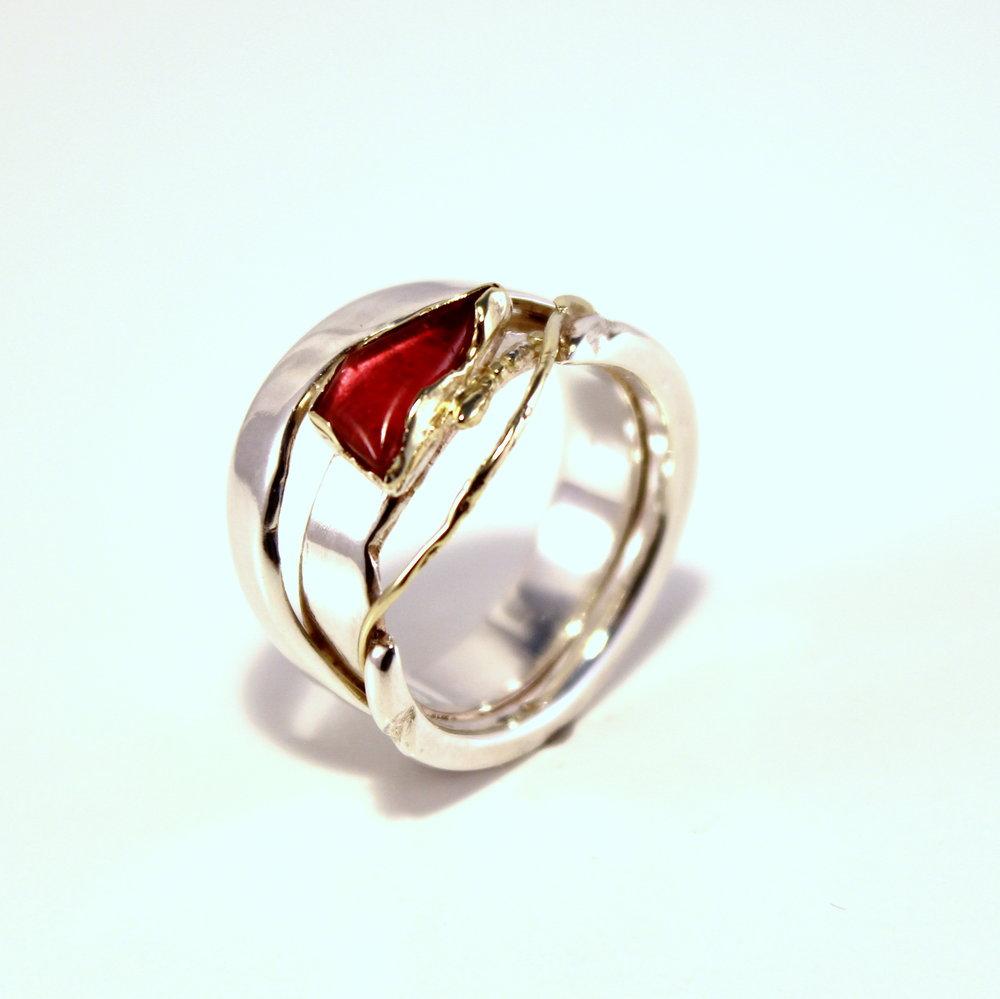 zilveren opengewerkte ring met goud en toermalijn