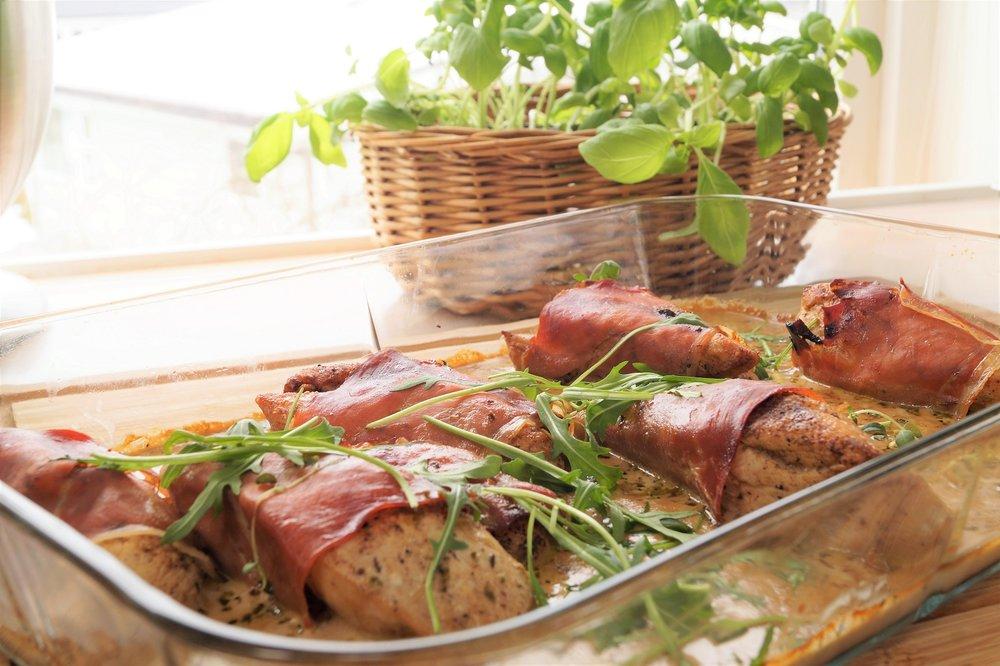 Serranosurret kyllingfilet med kremet balsamicosaus
