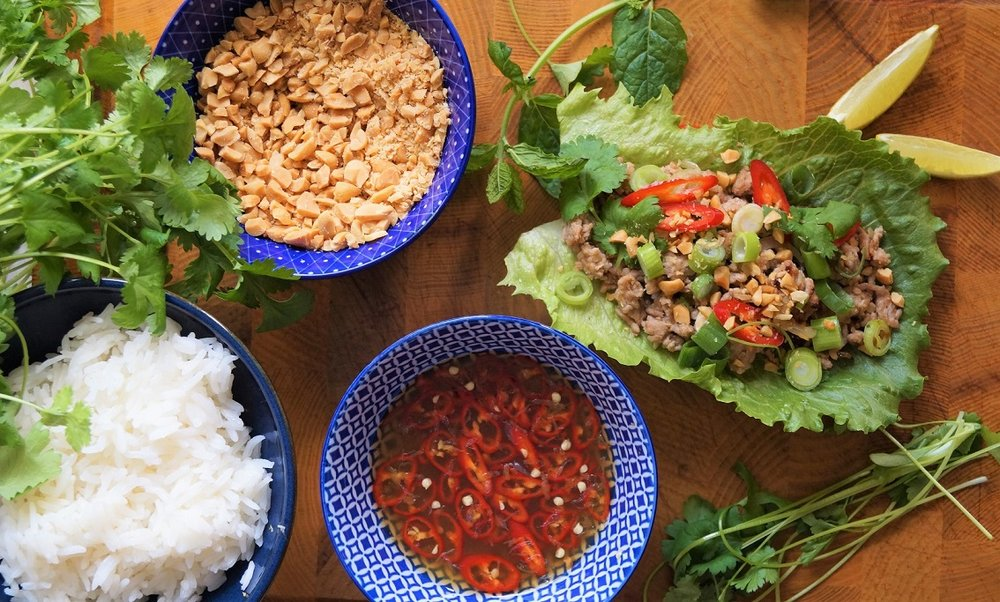 Laab moo - asiatisk salat med spicy kjøttdeig