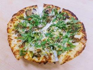 professional-certified-teacher-presenter-sourdough-pizza-ramekins-kitchen-on-fire-kalanty-wood-fired-oven.jpg