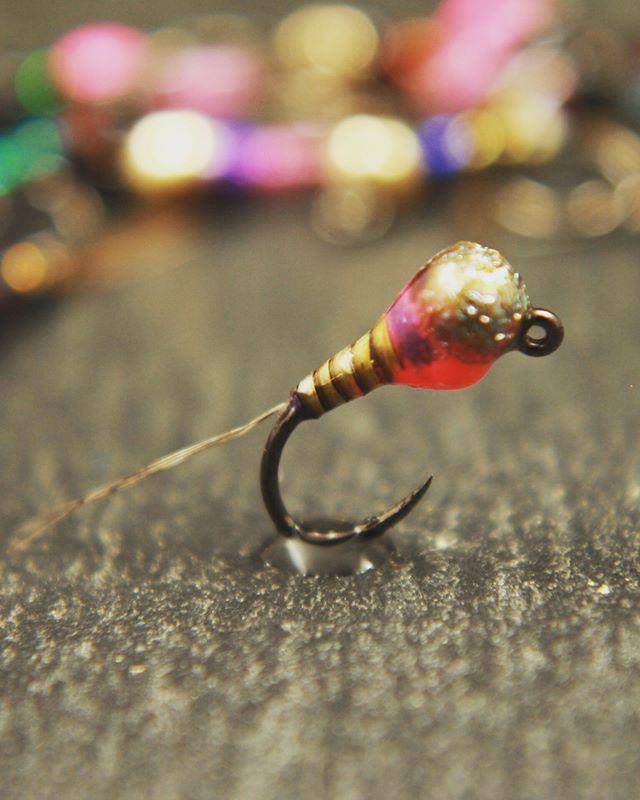 Monday morning eye candy • • • #confidenceflies #flyfishing #perdigon  #gulffflyfishing #fireholesticks #flies #tyingflies #fliesforsale