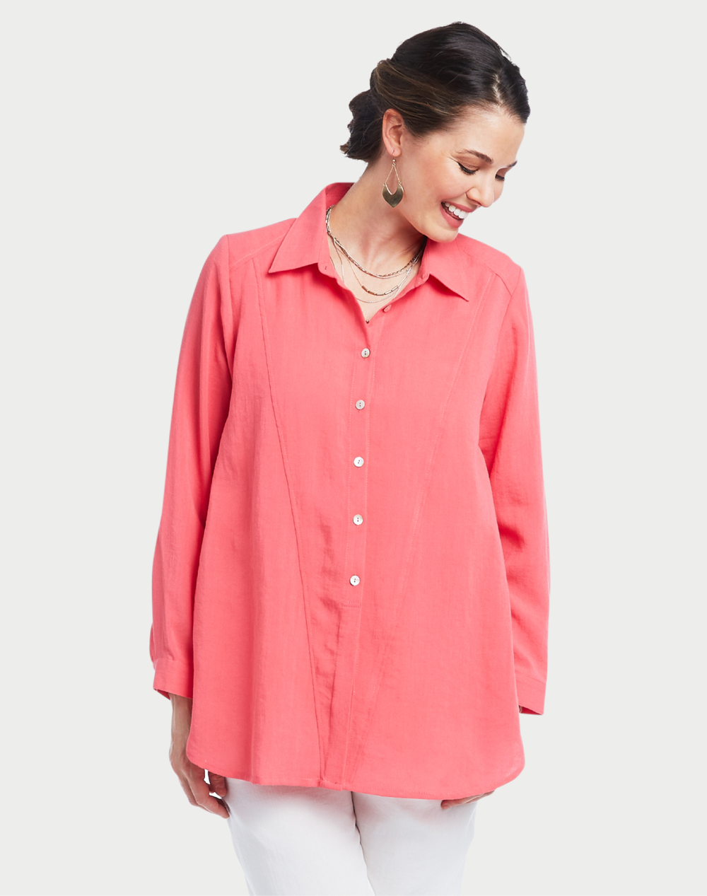 Fridaze, founded by Joyce Tang, is the original and only wrinkle-resistant 100% linen collection on the market.