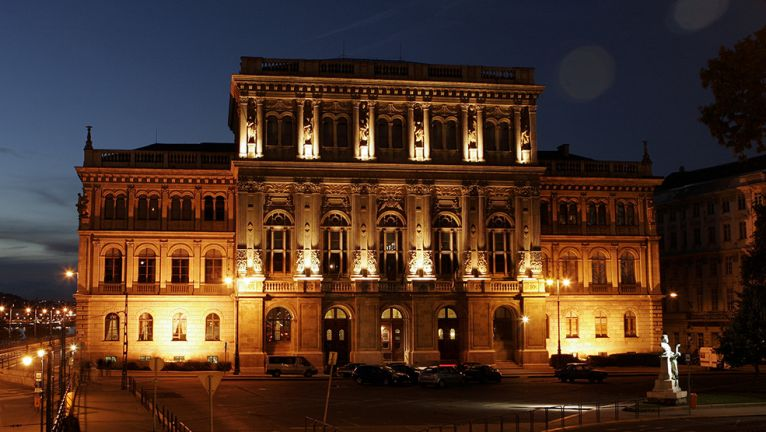 La sede dell'Accademia delle Scienze ungherese (www.abouthungary.hu)
