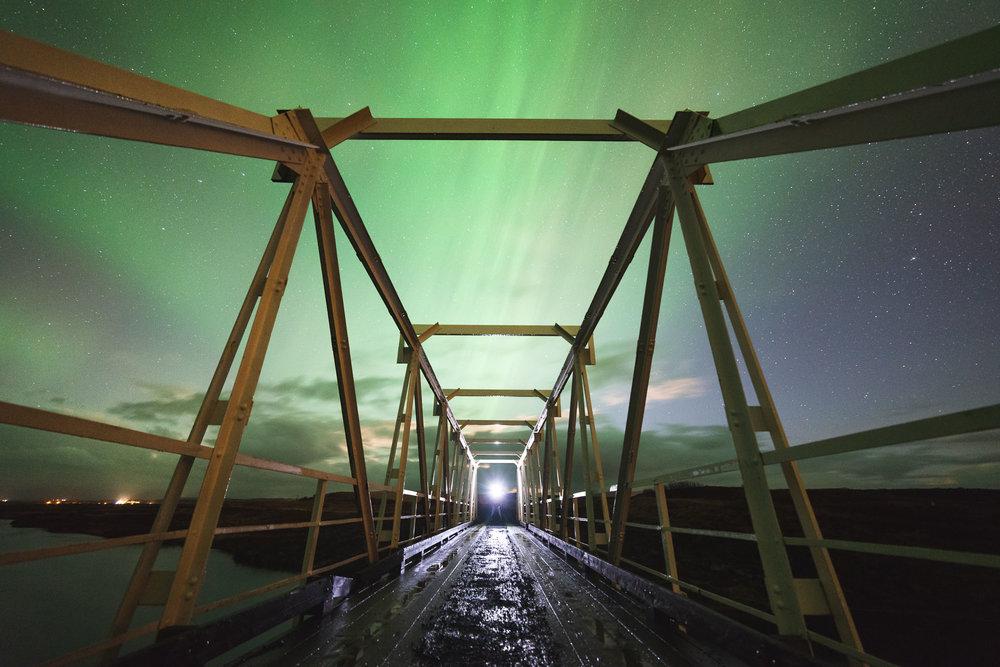 Eine Polarlicht-Bild funktioniert wie ein normales Landschaftsbild: Die Kombination aus Vorder- und Hintergrund ist entscheidend.