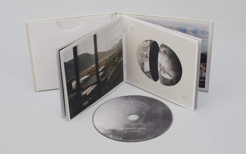 Piramida-Booklet-1400px.jpg