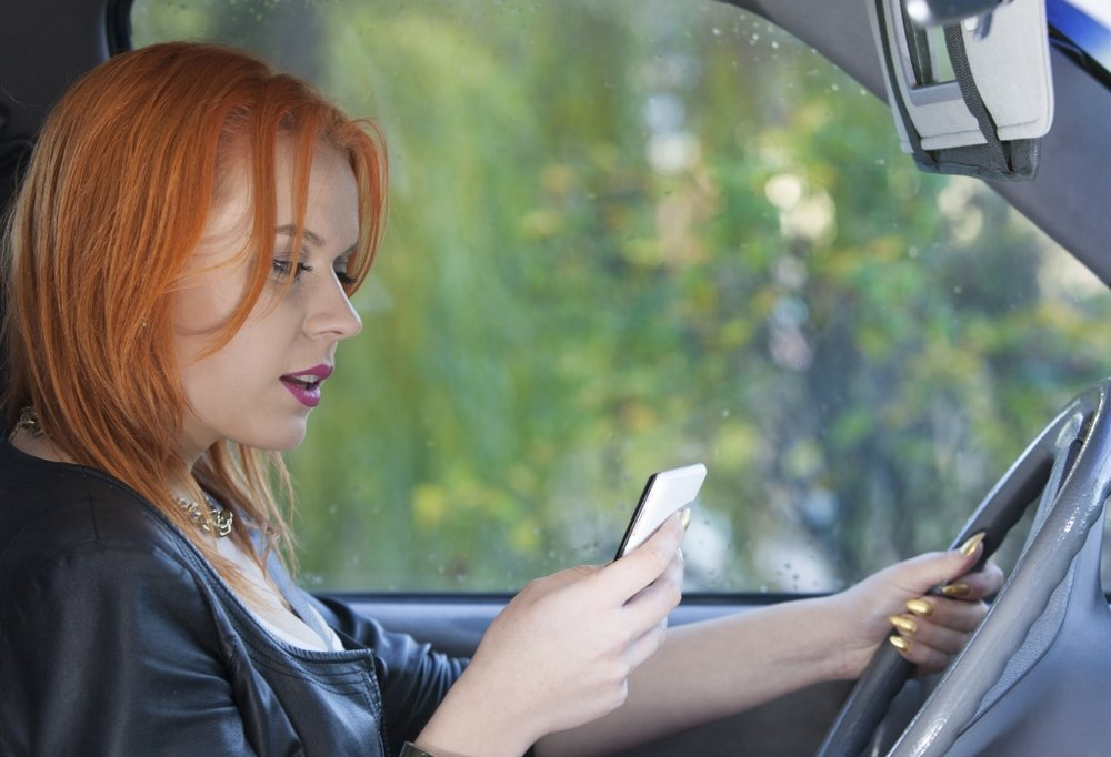 illegal to text and drive arizona