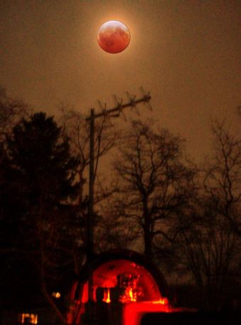 Total Lunar Eclipse over the author's  SKYSHED POD Observatory