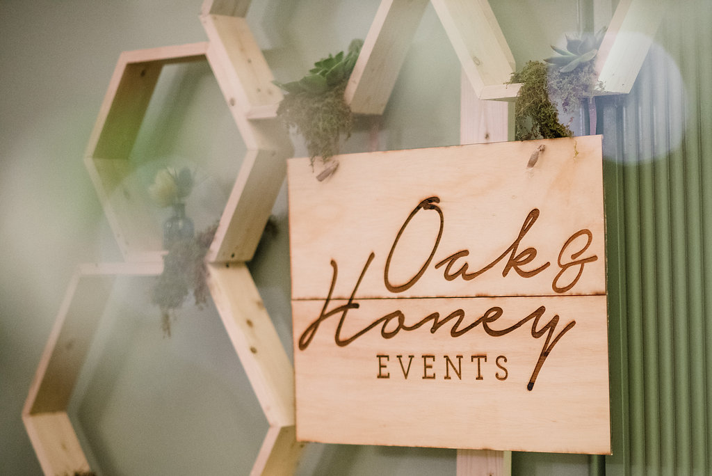 Oak & Honey Events Sign