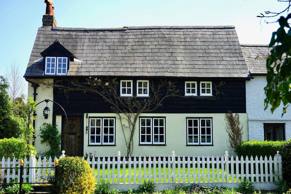 architecture-bricks-britain-376547.jpg