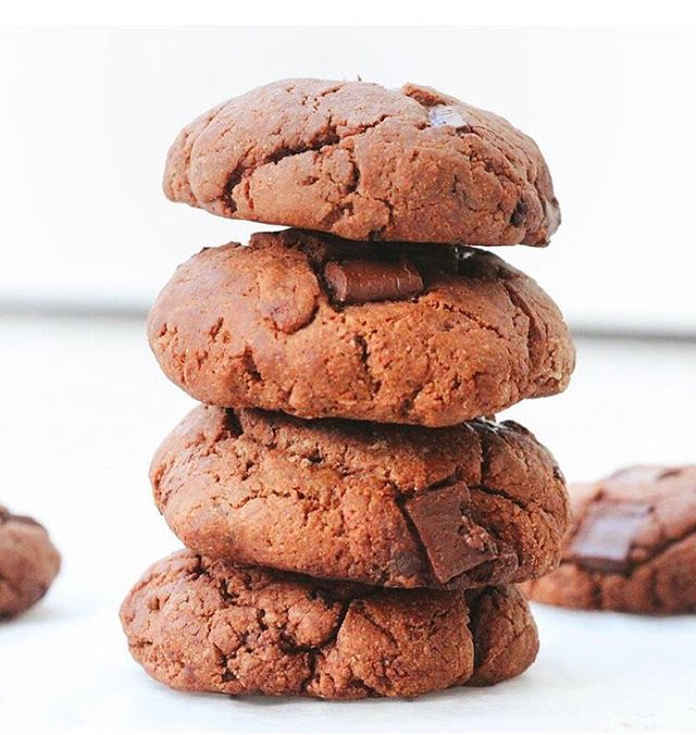 | CHOCOLATE CHIP COOKIES | 🍪Check out this super delicious recipe by registered associate nutritionist @sophieshealthykitchen over on our website in our brand spanking new Resources Lounge. Link in bio! 🙌🏼 #recipe #flourisheventsco #chocolatecookies #cookies #healthysnack #dessertrecipe #nutrition #healthyeating #intuitiveeating #balance #nourish #makesmewhole #healthychoices #foodporn #foodie #sweettreats #healthydessert
