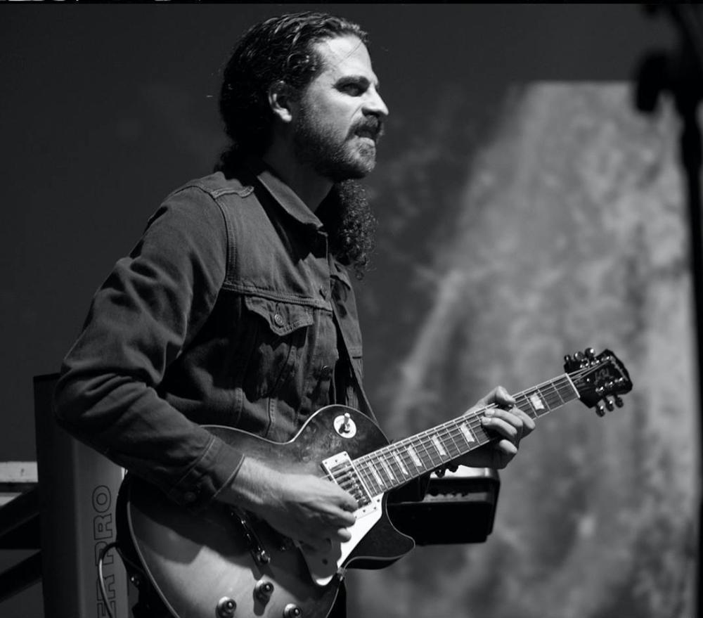 Vince Cuneo - Guitar