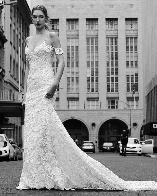 What is number one in every bride's list of things to do?  Of course «To choose the DRESS»! Some of us dream about having a dress to look like a princess - cute and sweet. Other want to be elegant and modern. There are loads of variants for every taste - short and long, lace and smooth… And how does your perfect dress look like? Let us know more about your preferences and maybe we will make them come true in our new collection:) • PASSIFLORA gown Photo @gerrit_olivier  Model @tylersetzer  Mua @candsmac_makeup