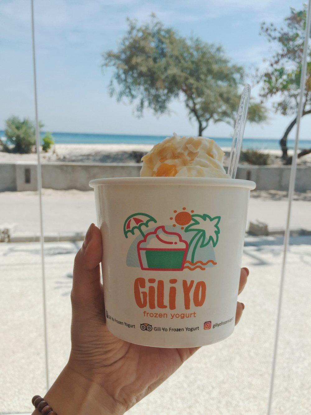 Frozen Yogurt against the heat at  Gili Yo .
