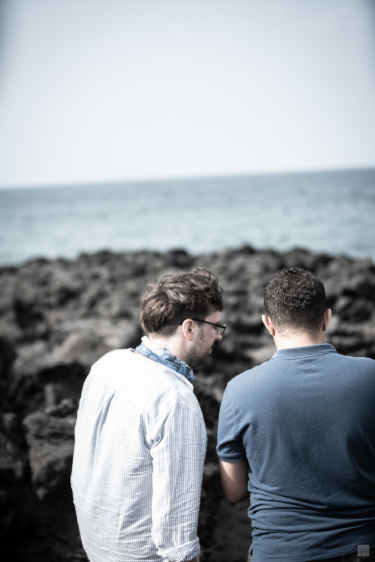 Neil and 'M' discussing the refugee issue on Jeju. Photograph by Hankyul Kim © 2018