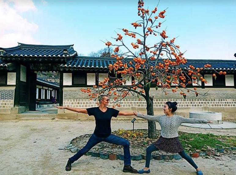Sanna Kokkonen yoga in Korea