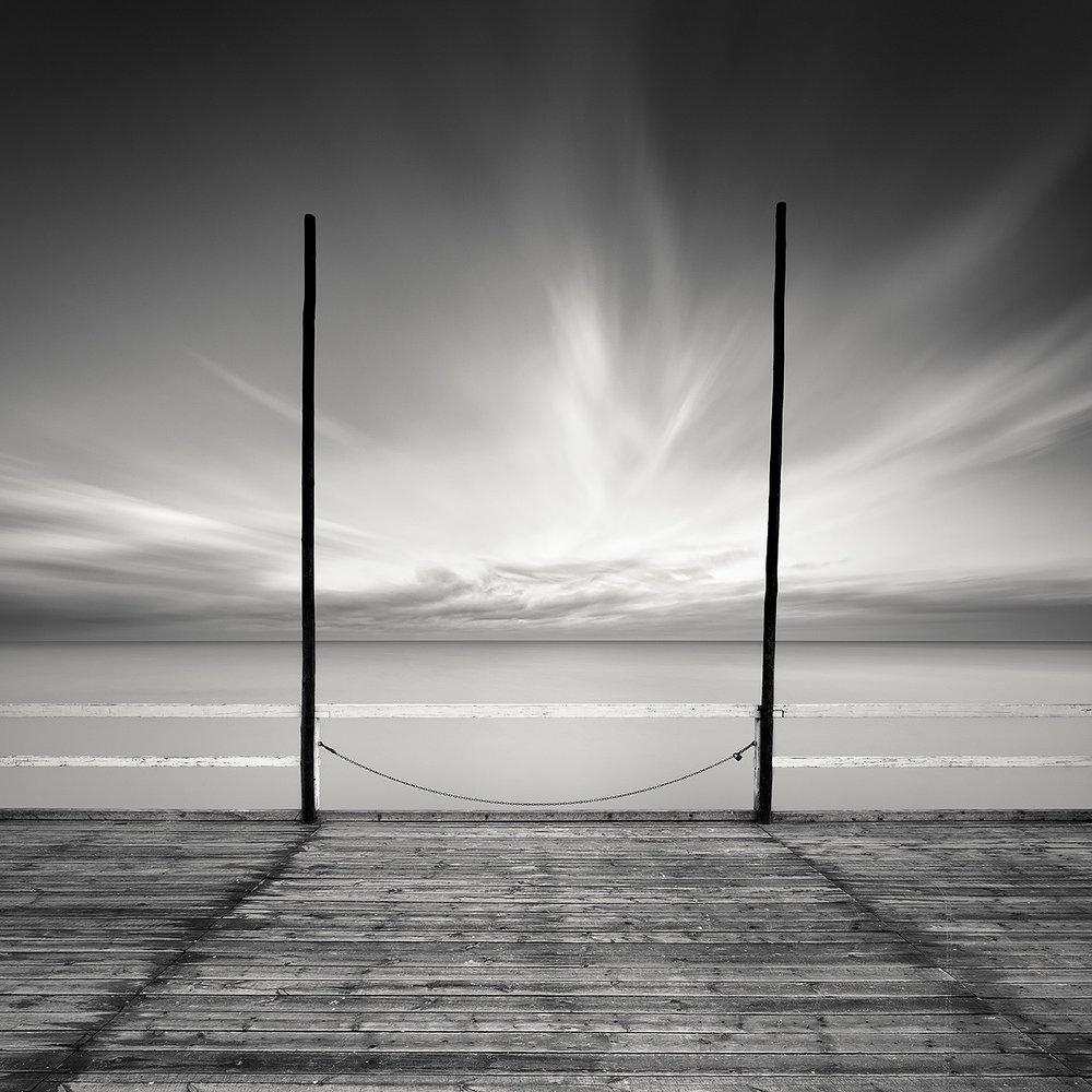 Pier's End