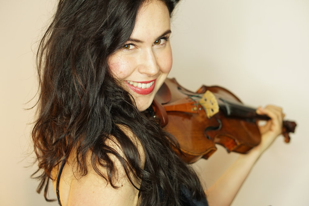 With her playing Lelie gives as well fewer known compositions like Darius Milhauds Saudades do Brazil a voice and creates an equally versatile and inspiring concert experience. -