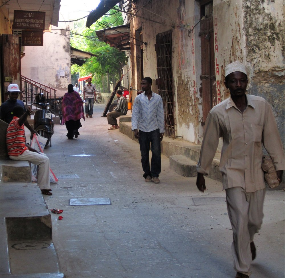 ALLEYWAY IN STONE TOWN