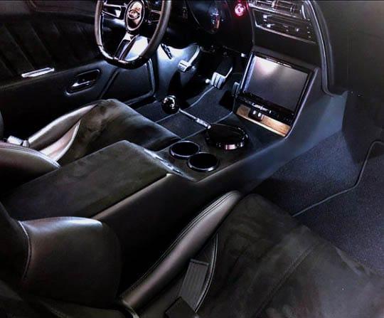 68 Camaro Custom Alcantara_Seats