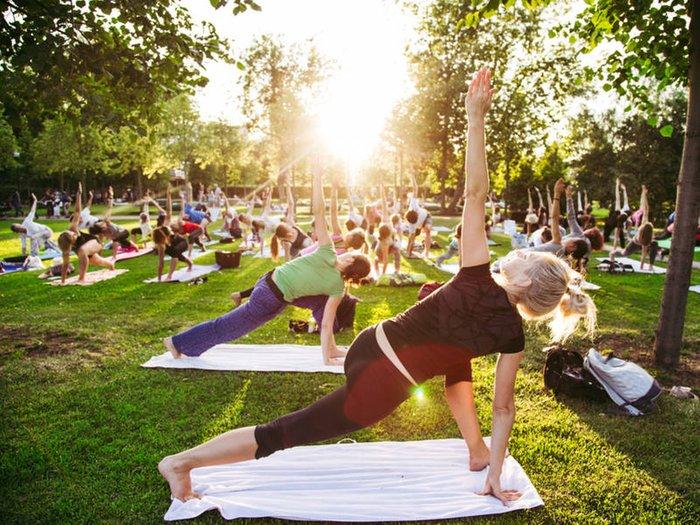 shutterstock_yoga-1528917104-2485.jpg