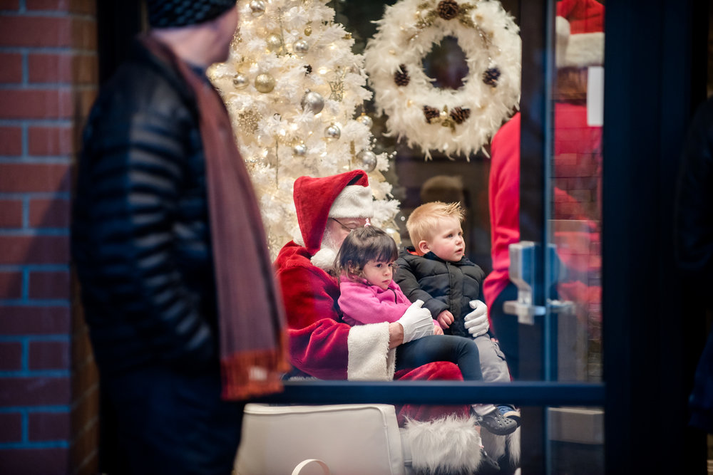 Activities - Over a dozen festive activities this year including the always-popular Windermere Santa photos (4-7) and the Garden Center tree lighting (5:15)!