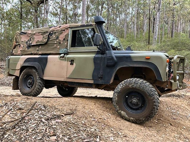 Ready for the weekend like.... @perentie.gs 🦎🕺🏼 #Perentie #LandRover #Adventure #Canopy #RobcoProducts #Australia #AustralianMade