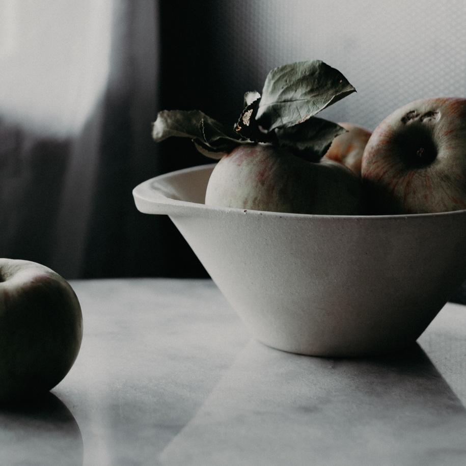 Medium cassole with apples - photo by Tara Pearce at du Fermier
