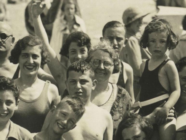 T2-04-GFH-album-no.-256-Scheveningen-1933_forweb_crop.jpg