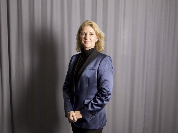 Maria von Hertzen , grundare och ordförande i styrelsen för Showdansskolan FLEX. Maria är utbildad dansös och koreograf vid London School of Contempory Dance 1981. Hon är också full medlem i Sveriges Dansorganisation SDO med både nationell och internationell domarkompetens i modern dans, jazzdans, showdans och disco. Maria är uppväxt i Helsingfors, där hon hade en 15 år lång karriär som professionell dansös och koreograf med uppdrag i hela Europa och Japan. 1986 blev Maria konstnärlig ledare för dansteater ROLLO i Helsingfors. 1992 startade hon dansskolan MIM i Polen som fortfarande är aktiv. 2001 grundade Maria Showdansskolan FLEX i Vallentuna som idag har ca 500 danselever.