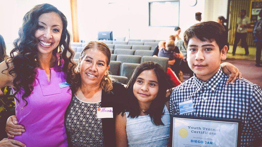 Izquierda: Candi CdeBaca, Mercedes Jara, Rachel Jara, Diego Jara en el Project VOYCE Anual Despertar con VOYCE Desayuno, agosto de 2019.