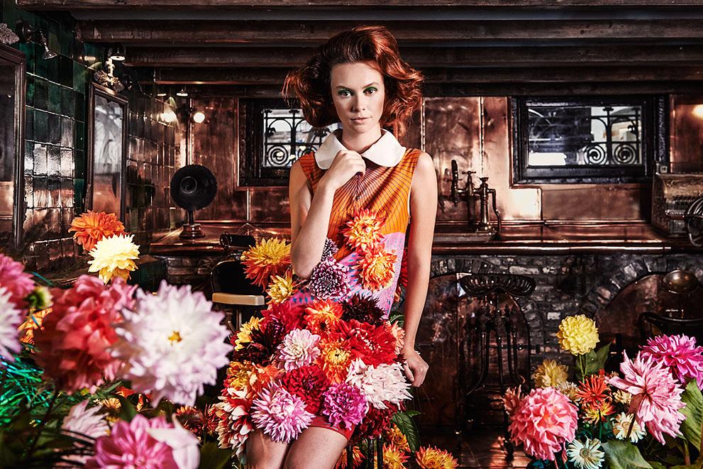 edwin oudshoorn - the manor blooms - kapper meisje 1.jpg
