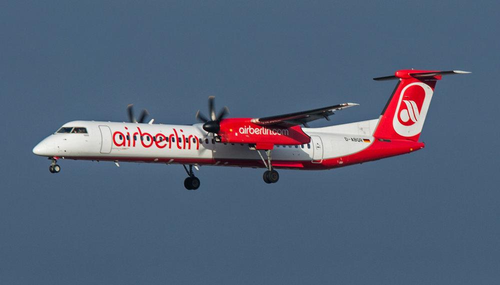 Air Berlin Dash 8 DABQR MAN111218PH.jpg
