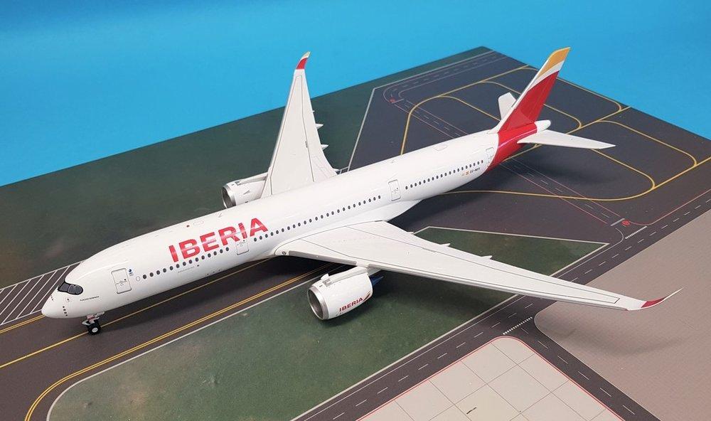 - 1/200 Iberia A350-900 EC-MXV £105.00