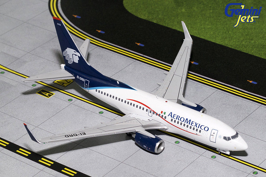 - 1/200 Aeromexico 737-700 EI-DRD £80.00