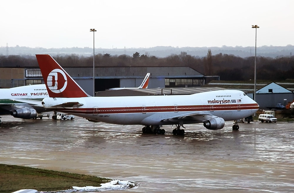 9M-MHJ (06-01-1985).jpg