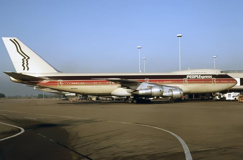 N602PE (23-10-1983).jpg